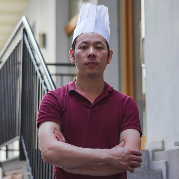 Šéfkuchař Đình Đoàn, Vũ zD&VRestaurant vČeských Budějovicích předává svůj recept.
