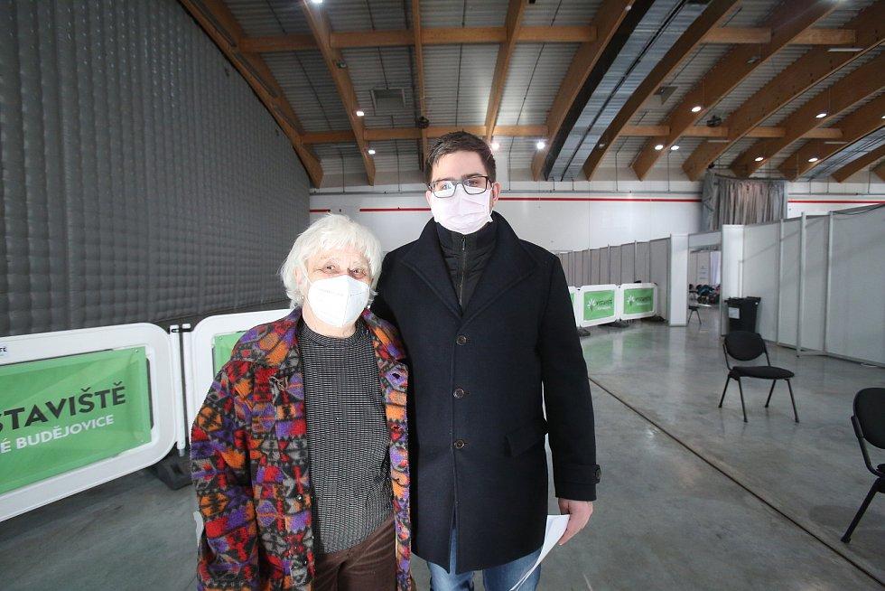 Očkování v jihočeském kraji zahájeno. Jako první budou proočkování proti COVIDU-19 senioři starší osmdesáti let.