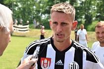 Tomáš Froněk po zápas Dynama s Berounem (7:0) odpovídá na dotazy Deníku jižní Čechy.