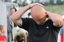 Slavoj Temelín má zatím ze čtyř kol jediný bod, trenér Zdeněk Hrdina ( na snímku) nemůže být spokojen ani s přístupem hráčů.