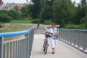 Lávka pro pěší a cyklisty. Ilustrační foto.