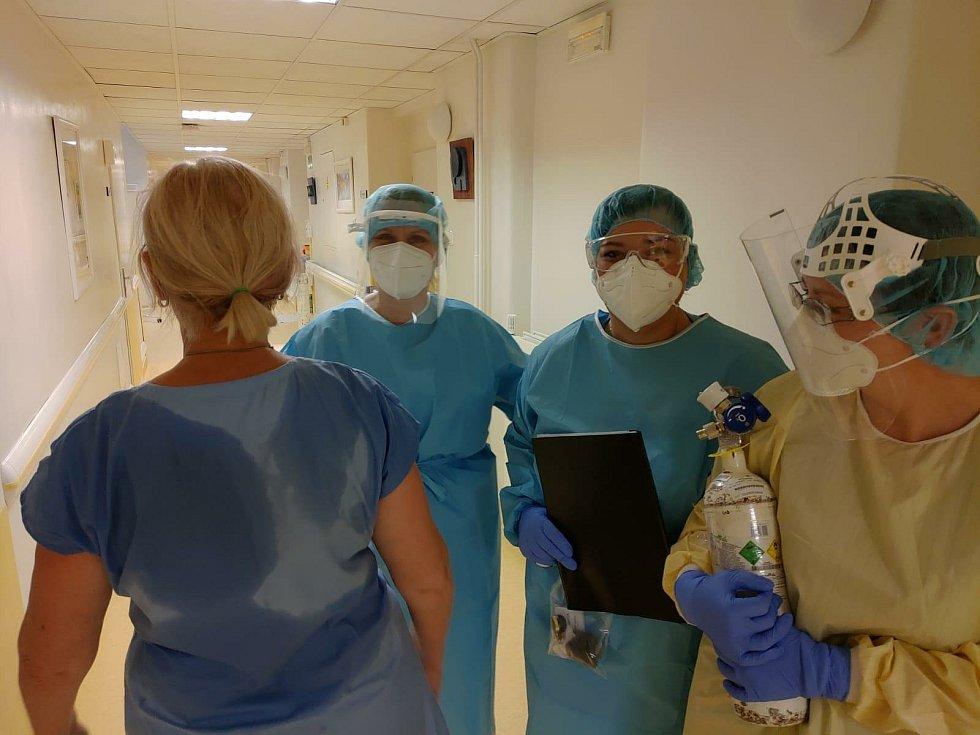 Takto to vypadá na covidové jednotce infekčního oddělení českobudějovické nemocnice.