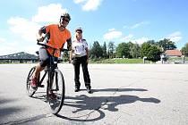 """Na konci července zemřeli na silnicích dva cyklisté. Také proto policie pořádá týdenní krajskou bezpečnostně preventivní akci nazvanou """"Bezpečně na kole""""."""