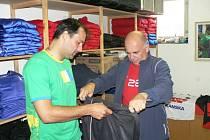 """Tomáš Hunal, jenž v Teplicích pro zranění odstoupil, v neděli na Složišti nehrál, v pondělí už ale trénoval. Zda bude fit i na Liberec, ještě ale nevěděl. """"Uvidím na středečním tréninku,"""" uvedl."""