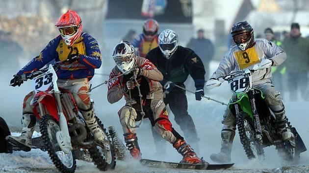 Víkendové závody mistrovství republiky v motoskijöringu jsou odvolány.