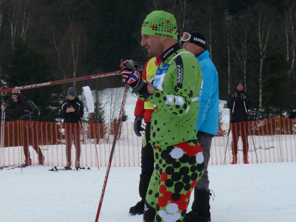 Šumavský skimaraton Kooperativy. Start závodu na 25 kilometrů