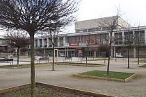 V daném stavu lokalita s kulturním domem Vltava vůbec oku nelahodí. Úpravy chystané studenty tu mají vytvořit oázu pro příjemné posezení, odpočinek, hry.