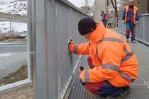 Pět měsíců trvaly práce na nové pěší stezce. Náklady se vyšplhaly na částku 9, 32 milionu korun.