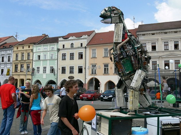 Allosaurus z odpadu