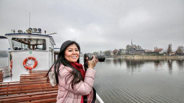 Christine Tan jezdí po světě, fotí luxusní interiéry a krásné krajiny. Její instagram slouží jako marketingový nástroj, který pomáhá zvýšit turistický ruch.