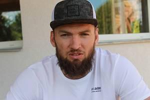 Českobudějovický odchovanec Martin Hanzal tráví léto doma na jihu Čech.