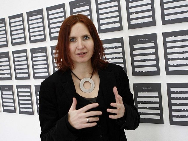 Budějovická radnice zvažuje, že prodá Dům umění. Osud Galerie současného umění, kterou chtěli radní v lednu zrušit, je tak nadále nejistý. Nyní tam vystavuje fotografka Jolana Havelková (na snímku).