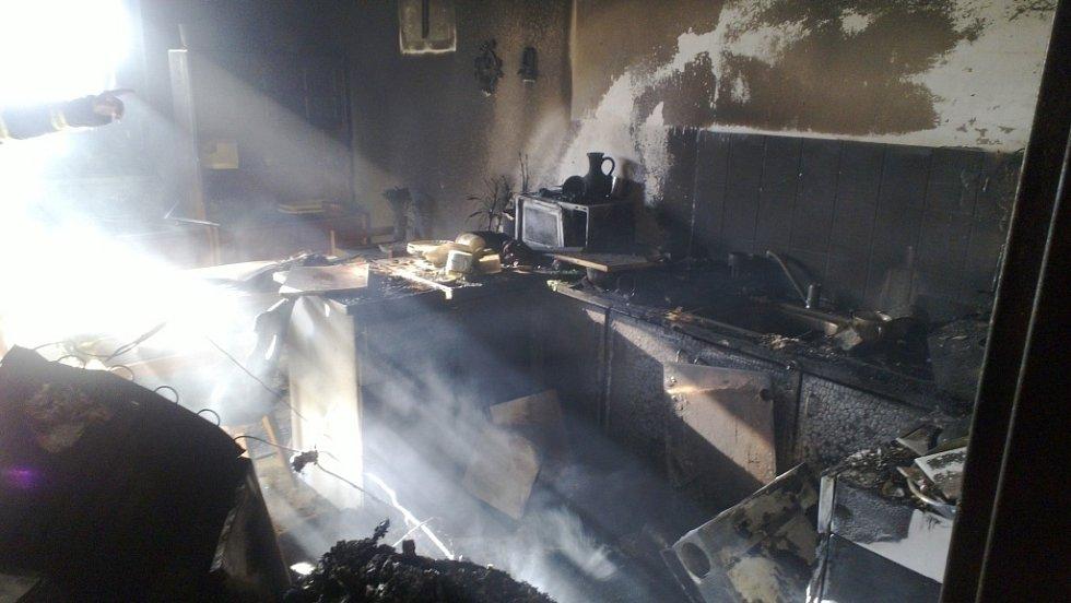 Následky požáru bytu. Ilustrační foto.