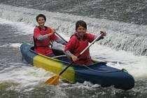 Naučit se nové věci na vodě i v přírodě přišli do oddílu Hanace také  Marek Jalal (vlevo)  a Luboš Novák.