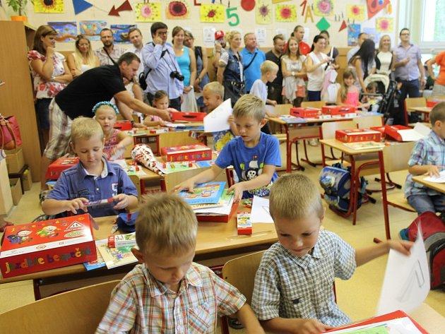 První školní den na ZŠ Kubatova.