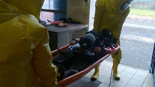 Únik čpavku řešili hasiči v Písku. Cílem cvičení  bylo  prověření schopností velitelů koordinovat spolupráci více jednotek.