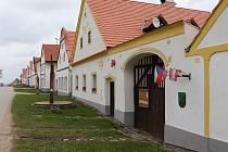 Jihočeská obec Holašovice je evropskou kulturní památkou.