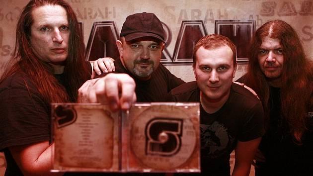 Hard rocková kapela Sarah s frontmanem Zdeňkem Troupem oslavila 28. ledna vydání nového alba. Křtila jej Martina Jandová.