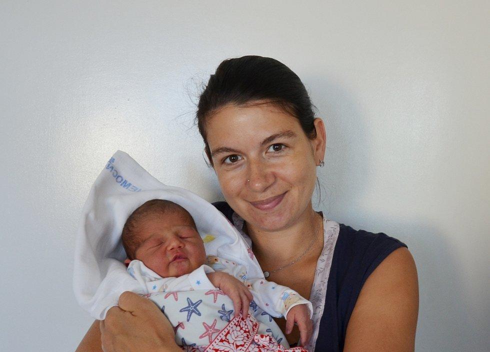 Ella Rudenok z Pěčnova. Dcera Kateřiny a Valentina Rudenok se narodila 8. 7. 2021 v 5.28 hodin. Při narození vážila 3150 g a měřila 49 cm. Doma se na ni těšila sestřička Rozálie (5).
