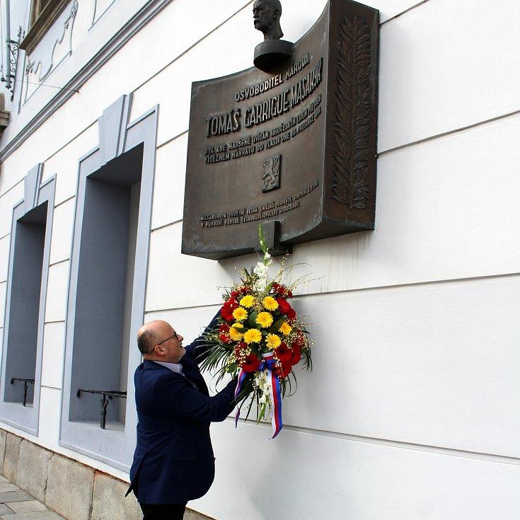 Primátor Českých Budějovic Jiří Svoboda uctil 7. března 2019 památku prvního prezidenta Československa T. G. Masaryka.