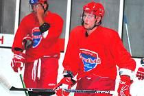 Lukáš Poživil je jednou ze čtyř nových tváří v dresu HC Mountfield. V úterý nastoupí Jihočeši proti Slavii Praha.