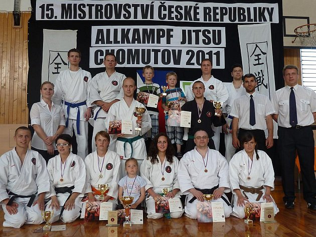 Úspěšná jihočeská výprava na mistrovství ČR v Allkampf Jitsu v Chomutově.