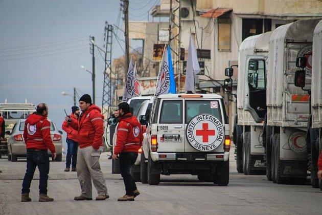 Konvoj pomoci Aleppu vyráží.