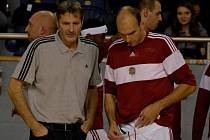 DOBRÁ ZPRÁVA. Po třech týdnech strávených v nemocnici byl Stanislav Zuzák opět připraven k utkání. Proti Nymburku však kapitán Lvů odehrál jen necelých deset minut.