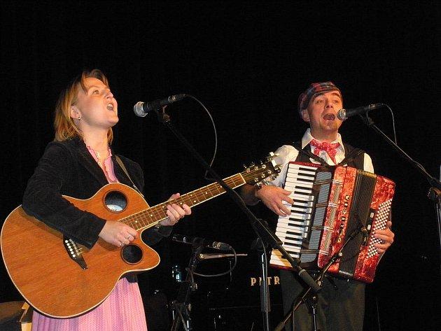Pavla Švédová a Miloslav Frýdl ze skupiny Třehusk.