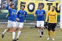 Jakub Navrátil se raduje ze svého gólu na 3:0. Táborsko - Sokolov nakonec 5:1.