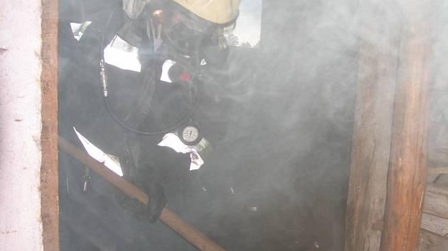 Pravidelná kontrola skladu uhlí a jiného paliva zamezí tomu, aby museli na poslední chvíli zasahovat hasiči.