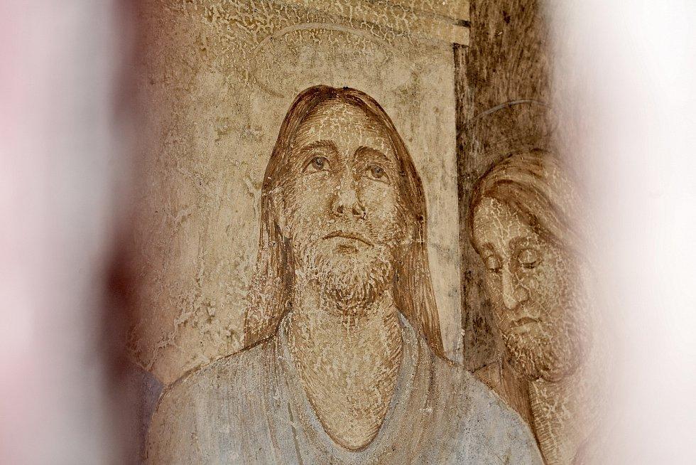 Římovská poutní cesta nabízí překrásnou procházku pro věříci i pro ateisty. Čítá 25 zastavení.