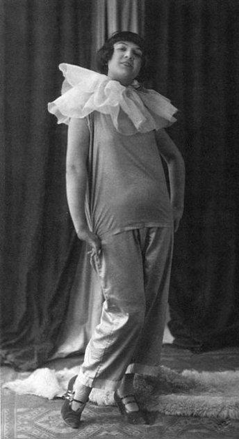 Marie Rosůlková jako Lulu ve stejnojmenné divadelní hře Franka Wedekinda. Tuto roli ztvárnila vroce 1925vČeských Budějovicích.