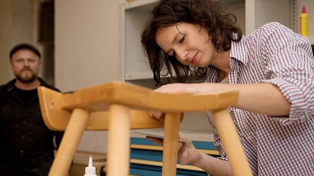 Kabinet CB nabízí např. sdílenou dílnu či kurzy renovace nábytku. Foto: Archiv Kabinet CB
