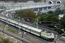 Z Budějovic pojede do Prahy přes Písek a méně vlaků. Na druhou stranu přes Tábor pojede navíc jeden pár vlaků.