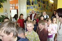 Škola v obci Nedabyle slavila jubileum.