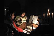 Půlnoční mši v Rudolfově v kostele svatého Víta doprovází místní sbor.