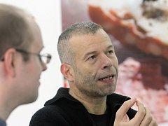 Poprvé v České republice představuje svou tvorbu držitel ceny Turner Prize, německý fotograf žijící v Londýně Wolfgang Tillmans. Výstava v Galerii současného umění a architektury českobudějovického Domu umění potrvá do 27. prosince.