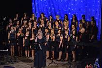 Sérii dvou adventních koncertů pěveckého sboru Nuzický zvonek si o víkendu užili Vltavotýnští.