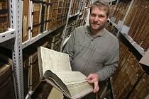 Vedoucí státního okresního archivu v Českých Budějovicích Daniel Kovář ví o návštěvách Karla IV. v jihočeské metropoli první poslední.