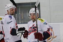 David servis ČB v krajské lize přehrál na svém ledě hokejisty Milevska 8:1.