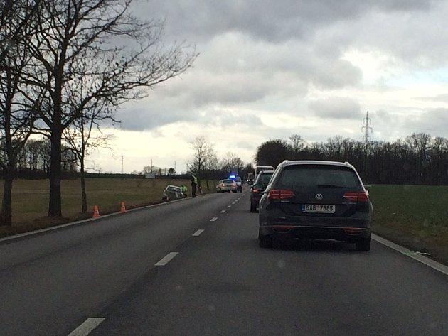 Úterní nehoda na hlavním tahu z Českých Budějovic směrem na Písek.