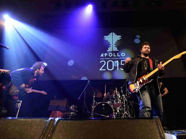 Cenu české hudební kritiky Apollo za nejlepší domácí album uplynulého roku získala táborská kapela Please The Trees za nahrávku Carp. Na snímku ze čtvrtečního předávání ceny vpražském klubu Royal.