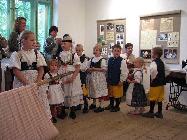 Významnější události ozdobí občas ve Venkovském muzeu Kojákovice ifolklórní vystoupení.