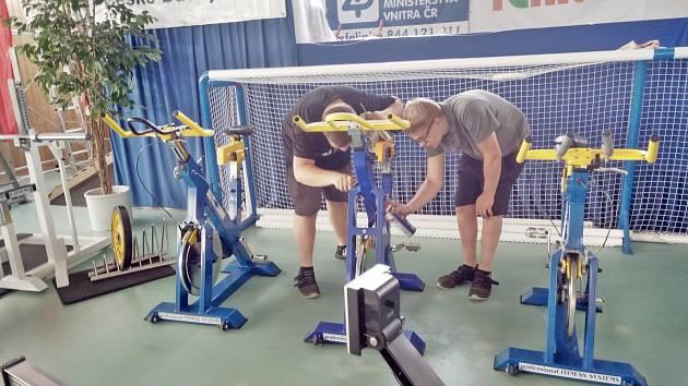 Významná pomoc studentů handicapovaným sportovcům.