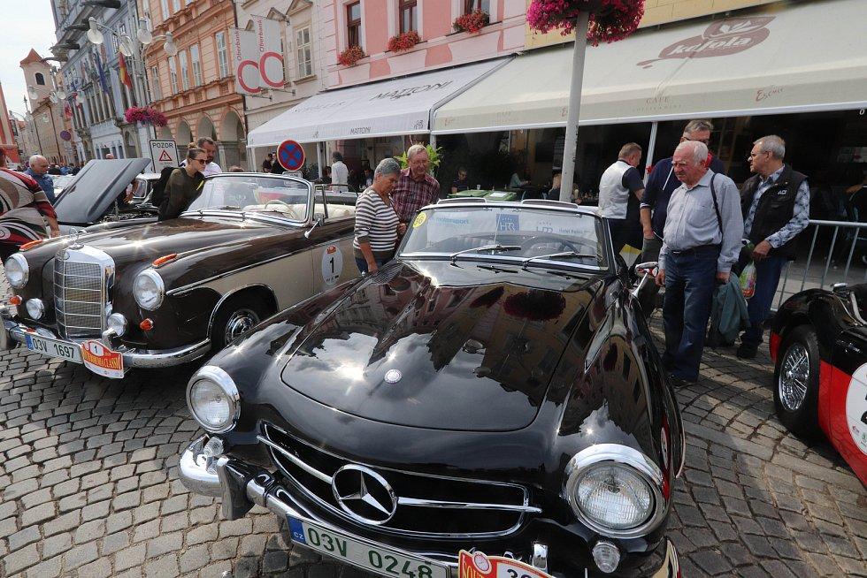 Start desátého ročníku veteránského rallye - South Bohemia Classic.