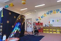 Duo Jaking navštívilo před nedávnem se svým vystoupením Mateřskou a základní školu v Dubném.