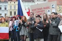 V Budějovicích se sešlo několik set lidí nesouhlasících s Andrejem Babišem.