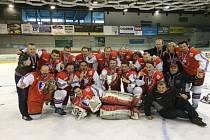 VÍTĚZOVÉ. Úspěšní hokejoví amatéři Rangers Ševětín