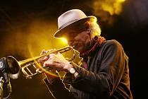 Jihočeský jazzový festival v Českých Budějovicích pokračoval koncertem hlavní hvězdy trumpetisty Erica Truffaze na Piaristickém náměstí